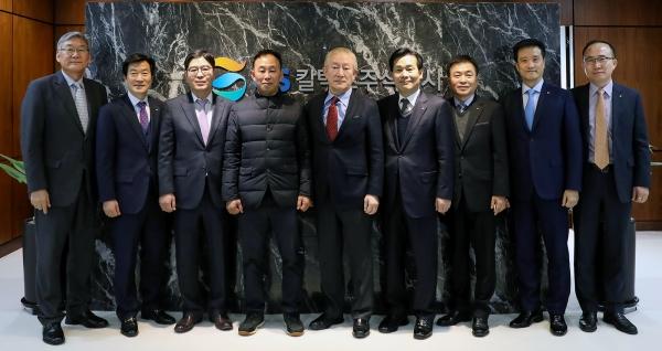 주철현 여수시장과 여수지역 노사정 관계자들이 23일 GS칼텍스를 방문해 허진수 회장을 면담하고 신규투자에 대한 성공적 완수를 다짐했다.